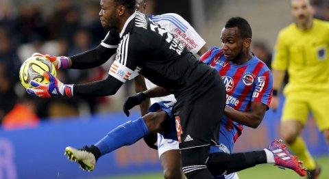 Vår oddstipper tror at Caen og Lenny Nangis (t.h.) vinner fredagens kamp mot Nantes.