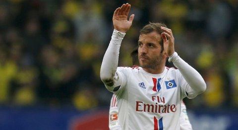 Hamburger SVs Rafael van der Vaart er tilbake til denne kampen etter å ha vært suspendert mot Schalke 04 i den siste seriekampen. Foto: Reuters