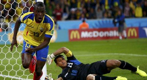 Vår oddstipper tror at Ecuador og Enner Valencia vinner mandagens kamp mot Bolivia. Foto: Reuters