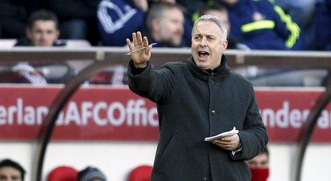 Vår oddstipper har troen på Fulham og manager Kit Symons mot formsvake Wolverhampton.