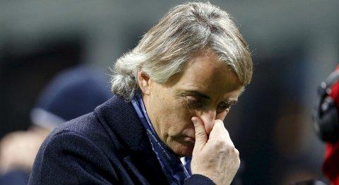 Vår oddstipper tror at Inter Milan og trener Roberto Mancini går på en smell mot byrivalen AC Milan i kveld.