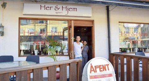 Hoang Oanh Thi Cao og Chinh Anh Huyn driverHer & Hjem spiseri i Mysen. Nå frykter de å bli kastet ut. Arkivfoto: Ina Authen