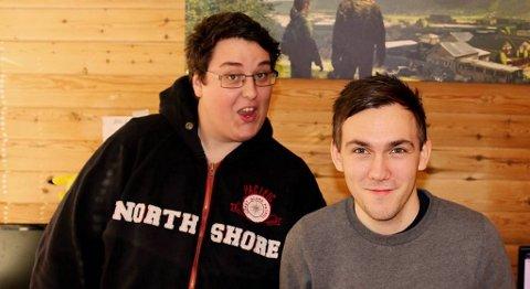 Preben Fjell fra Sotra og Dennis Vareide er blitt store stjerner på internett med sine videoer hvor de spiller dataspill eller finner på morsomme stunt og sprell. Over 130 000 personer abonnerer nå på siden deres på YouTube.