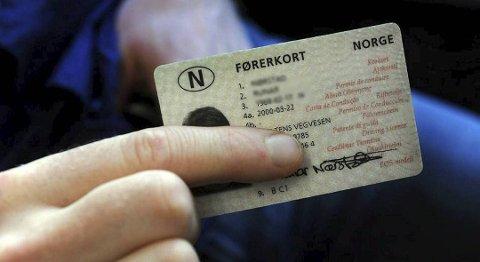 Hvor mange prikker kan man ha på førerkortet