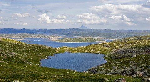 HØYFJELL: Turlaget lover skikkelig høyfjellsterreng og flott utsikt om været vil det slik.