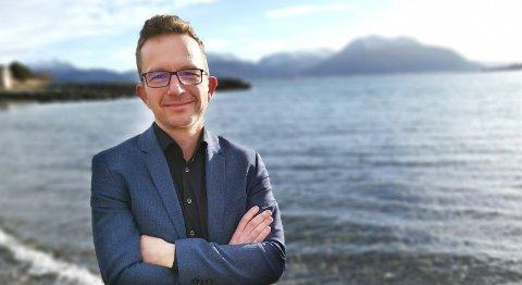– Dette prosjektet er å snuble baklengs inn i framtiden, sier Carl Johansen, førstekandidat for Miljøpartiet De Grønne i Møre og Romsdal, i en pressemelding.