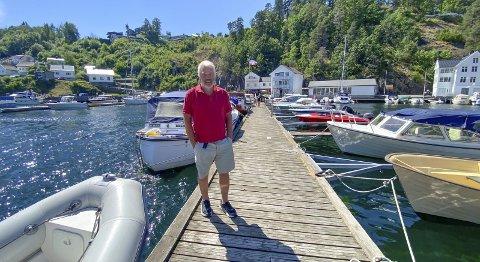 Var forberedet: Havnesjef Arne Thorvald Aanonsen forventet mange båter i gjestehavna i sommer. Det faktiske antallet overgikk likevel forventningene. Dette bildet ble tatt i slutten av juni, da det fortsatt var godt med plass. Foto: Olav Loftesnes/Arkiv
