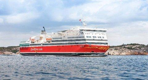 Den gamle danskebåten MS Bergensfjord ble kraftig oppgradert, endret navn til MS Oslofjord og satt inn på nysatsingen mellom Sandefjord og Strømstad. Men foreløpig har ruten vært en dyr erfaring for Fjord Line. FOTO: FJORD LINE