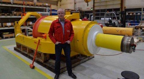Administrerende direktør Ingvald Torblå ved NLI Odda sier bedriften er kraftig rammet av nedgangen i oljeindustrien. FOTO: SVEIN KNUDSEN