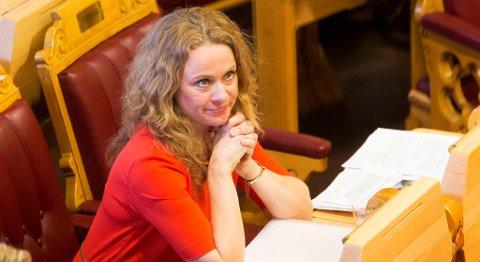 Arbeids- og sosialminister Anniken Hauglie sier regjeringen følger situasjonen ved sykehushotellene tett. FOTO: TERJE BENDIKSBY, NTB SCANPIX