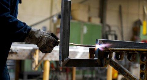 SSB-tall forteller om et fall i omsetningen i industrien på 2,4 prosent i første kvartal i år. FOTO: JAN HAAS, NTB SCANPIX