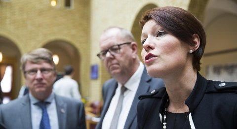 KrFs Line Henriette Hjemdal ønsker gransking av Statoils markedsposisjon. Her sammen med Venstres Pål Farstad (V) og Oskar Grimstad (Frp). FOTO: BERIT ROALD, NTB SCANPIX