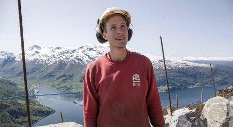 – Vi har verdas beste arbeidsplass, seier Frank Sanden i HS Bygg Stryn FOTO: BENT ARE IVERSEN