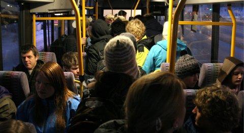Både Nordlandsbuss og Nordland fylkeskommune mener at det er for tidllig å evaluere det nye billettsystemet i Bodø etter kun en måned.