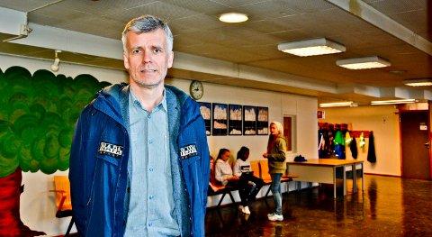 Undervisningssjef Tore Tverbakk, sier til Avisa Nordland at det kreves omrigging før resten av elevene starter i neste uke.