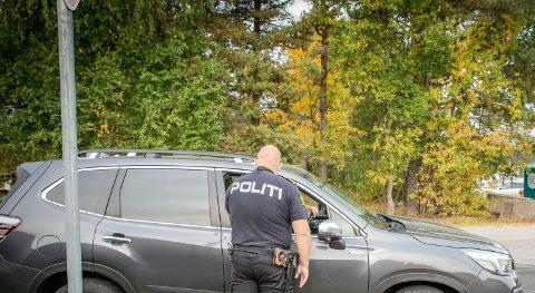IKKE KJEFT, MEN BOLLER: Sjåføren var så glad for jobben UP gjorde med laserkontrollen at han rett og slett dro på butikken for å kjøpe boller og brus til mannskapet.