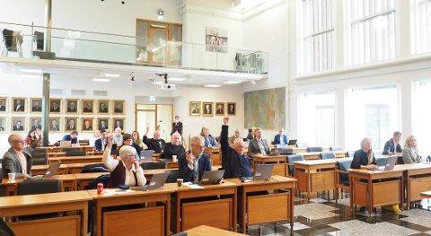 NEI TAKK: Senterpartiet i Narvik ønsker ikke at det skal bygges ny skole i  Narvik sentrum. Og under avstenmningen om ny skole i Bjerkvik, som dette bildet viser, fikk partiet følge av MDG og Frp i å si nei takk.