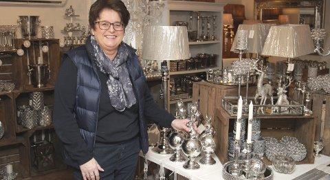 INTERESSE: Det begynte med en glødende interesse for interiør. For drøyt to år siden åpnet Anne Aaeng forretning i fjøset hjemme på tunet.BILDER: BÅRD ENGH