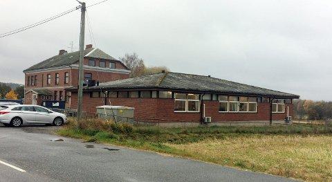 VIL HIT: Det nye arbeids- og aktivitetssenteret på ligge på Asak, mener flertallet i kommunestyret.