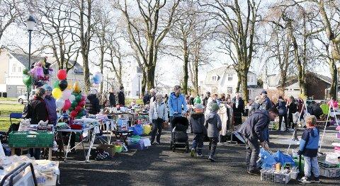 HVER LØRDAG: Hele sommeren og ut september vil det bli urban stemning og lørdagsmarked i Byparken.