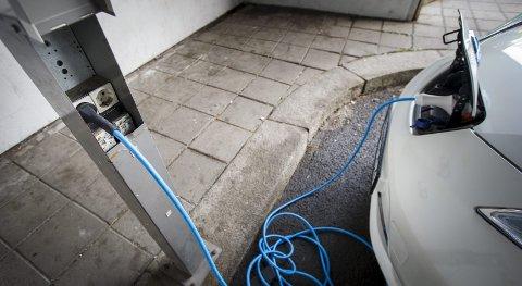 ELBIL: Å bytte ut alle kommunens tjenestebiler til elbiler, kan gi besparelser i millionklassen, skriver Tommy Skjolde i Rogaland elbilforening. Ill.foto: NTB SCANPIX