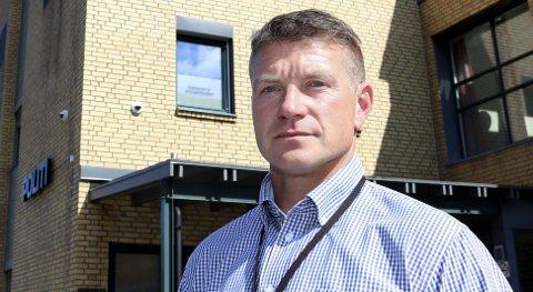Uvanlig: Politiets seksjonsleder for etterforsking på Helgeland, Snorre Bogfjellmo, understreker at ungdom normalt sett ikke bruker narkotika, noe undersøkelsen blant ungdomsskoleelever underbygger. – Men vi ser en tendens til at det er flere brukere opp i alder, sier han. Foto: Stine Skipnes
