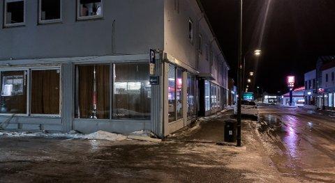MANGE RAMMES: Næringslivet rammes hardt av koronatiltakene, for eksempel Opticom i Vadsø, som skulle ha åpnet utestedet i nye lokaler denne måneden. Nå må regjeringen tenke nøye gjennom hvordan vi skal møte koronaepidemien i tiden framover.