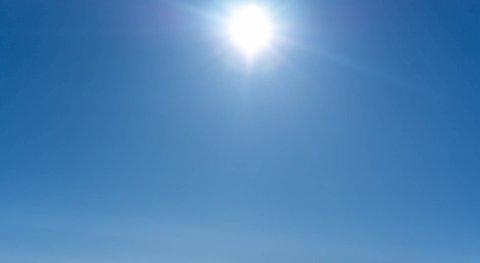 STRÅLENDE SOL: Porsanger stakk mandag av med ny varmerekord.