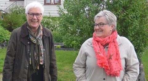 INVITERER TIL FEIRING: Eva Bjøreng (t.v.) og Marit Krogh i Bygdetunets Venner ber inn til jubileum på Bygdetunet i Aurskog-Høland på Hemnes søndag.