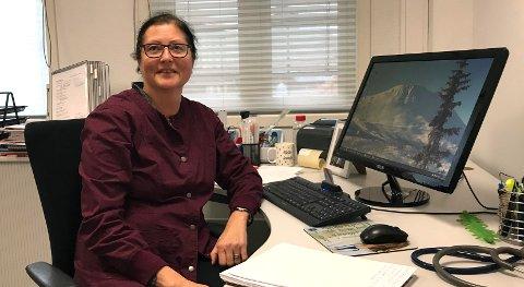 ENKELT: Monika Karlsen ved Sølvbyen legesenter, forteller at du ikke trenger legetime for å få influensavaksine.