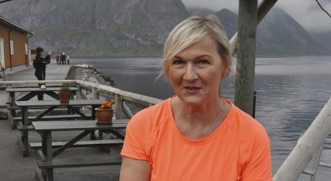 Vanskelig å bemanne: Anita Gylseth sier til Lofotposten at hun kan måtte redusere på åpningstiden, da de som vil jobbe hos henne i sommer, ikke befinner seg i Norge.