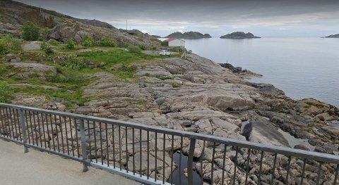 15 SJØBUER: I dette området ved den første brua til Henningsvær har Fiskekrogen Holding AS lansert et ønske om å få bygge sjøbuer.