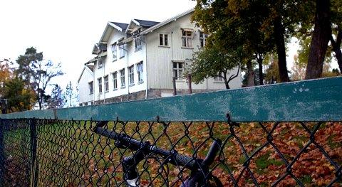 I fare: Solhøy skole i Son.