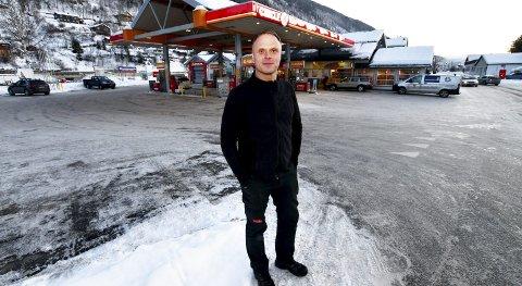 Tredje generasjon: Svein Tore Nymoen er tredje generasjon i familien som driver bensinstasjon på Otta.