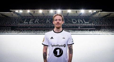 Fire sesonger ble det i rødt og hvitt for Åsen, før han igjen kunne ta på seg Rosenborgs helhvite drakt.