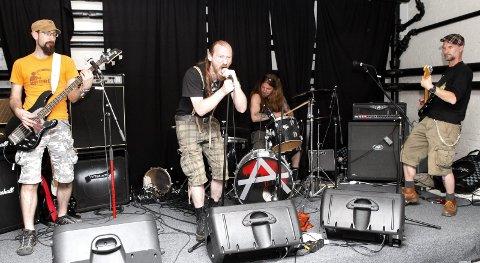 Punk: Fredag kveld samles punkerne på scenen i Nansetgata. arkivFoto: Caroline Omlid