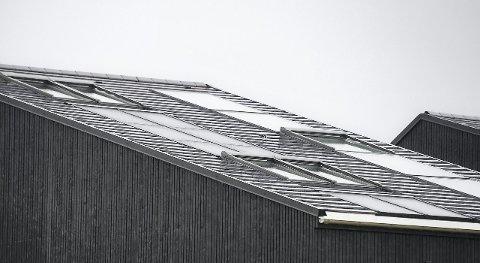 STØTTE: Tynset kommune vurderer å gi litt større støtte enn det Enova gir, til de første innbyggerne som monterer solcelleanlegg på boligen.