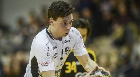PÅ BEDRINGENS VEI: Elverum Håndballs Didrik Linderud er snart tilbake i lett trening.