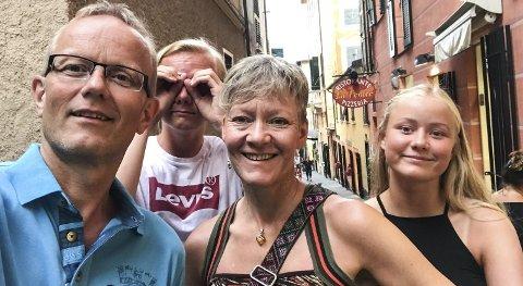 Biltur: Etter mange år til syden med charter, valgte familien Sund-Olsen en ny vri på sydenferien i år. Her er familien i Italia. Terje (t.v), Steinar, Torunn og Randi Helene Sund-Olsen.