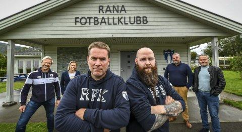 Rataskankans Kent Tore Hagen (t.v.) og Chris-Rudi Lind mener årets lag er godt nok til å se oppover på tabellen. - Det er grunn til å framsnakke laget, mener de.