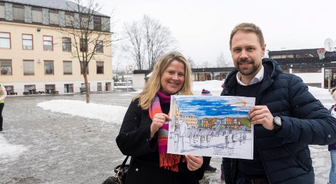SER MULIGHETER: Kristin Grov og Simen Strøm med skissene som viser hvordan man kan tenke seg en utvikling av Hønefoss skole i fremtiden. - Hva må til for at skolen skal være godkjent, spør Kristin Grov.