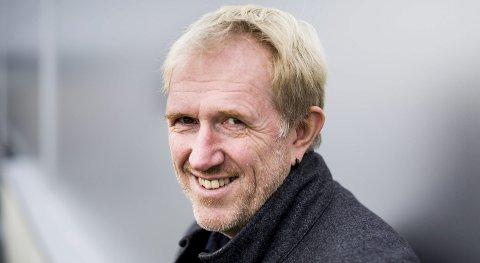Geir Hareide Andersen har fått Rælingen kommunes kulturpris for 2016, og roses for å ha bidratt til å løfte kunstforeningen og Sandbekkstua til et imponerende nivå.  FOTO: Tom Gustavsen