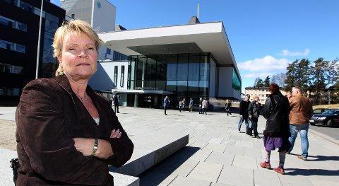 REAGERER: Kari Kjønaas Kjos (FrP), leder for Helse- og omsorgskomiteen på Stortinget, er rystet over Romerikes Blads artikkel om «June».FOTO: KAY STENSHJEMMET