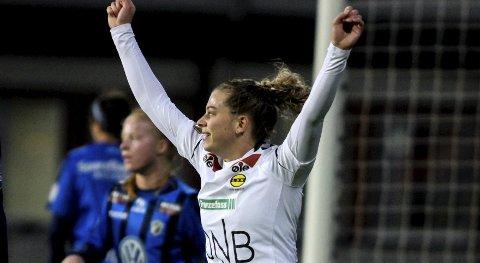 Fortsetter i Røa: Ingrid Kvernvolden tar på seg Røa-drakt når hun er tilbake etter korsbåndskade. Foto: NTB scanpix