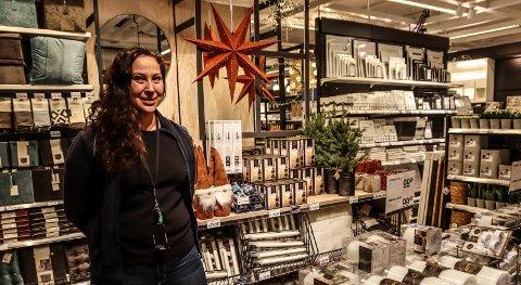 SPENT FØR ÅPNING: Butikkleder Thina Wallén-Lilleborgen gleder seg til Clas Ohlson skal åpne på Amfi Borg torsdag.