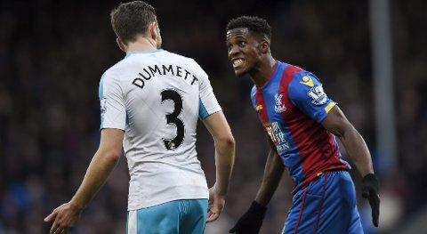 Crystal Palace må klare seg uten formspissen Wilfried Zaha i mandagens kamp mot Everton. Det kan koste dem tre poeng.