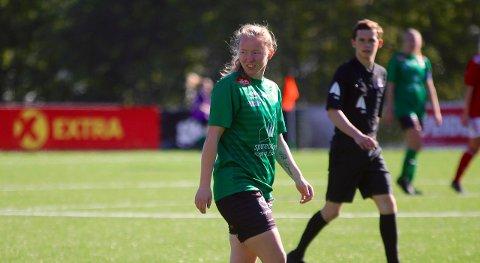 EVENTYRLEG JUBEL: Miriam Vilnes Mjåset kom inn og skåra to mål for Kaupanger i sin andre kamp denne sesongen.