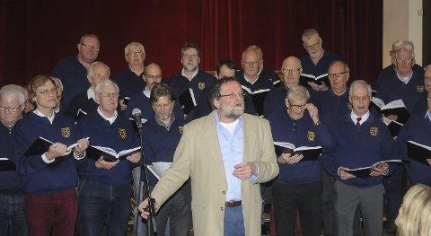 Tvedestrand Mannskor er et aktivt kor, og støtter gjerne andre som bidrar med sang og musikk. Arkivfoto