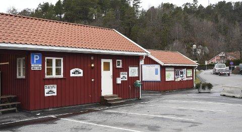 Nytt Løyve: Ellen Tine Halvorsen har en drosje her i Tvedestrand. Nå har hun fått de ledige løyvene på Vegårshei.