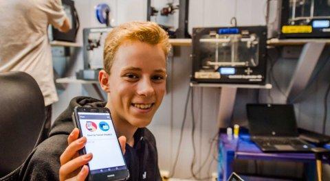 Daniel Martinsen (14) fra Kroer og Ås har programmert en app for konkurranser i naturen, og også kan benyttes i mørke.
